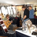 I am speaking with great guitar builder Ole Kehlet (on my right hand)
